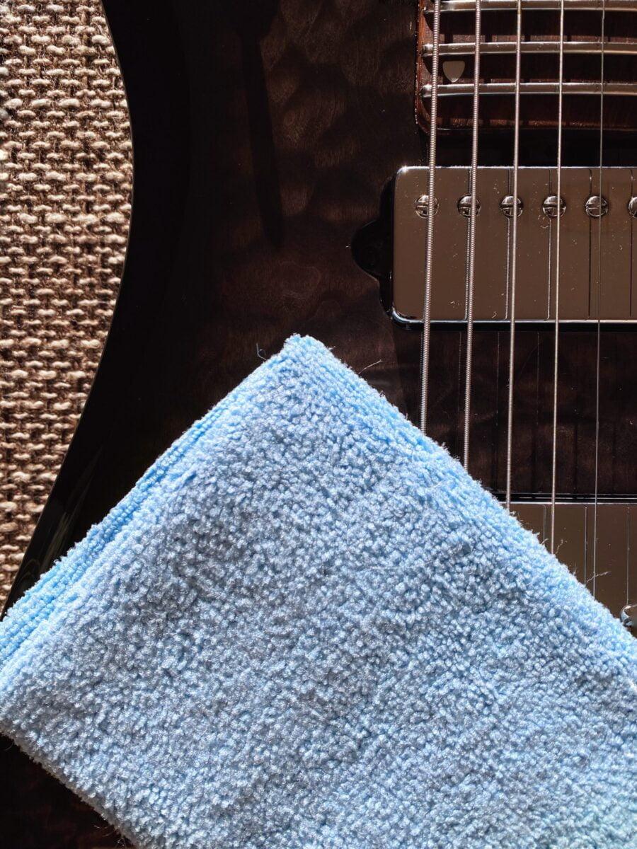 MN202 Music Nomad Microfiber Guitar Detailing Cloth